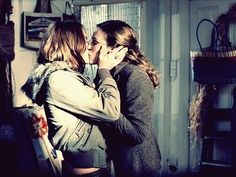 "Rachel (Piper Perabo) and Luce (Lena Headey), ""Imagine Me & You"" Lesbian Pride, Lesbian Love, Lesbian Art, Piper Perabo, Lgbt News, Same Love, Love Kiss, Happy Together, Lena Headey"