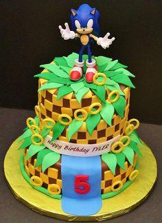 Sonic cake from delightfulcakesbycecy.com