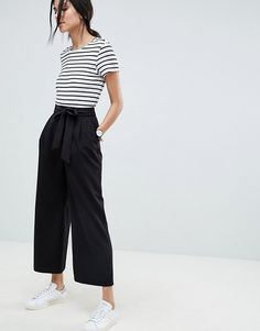 Shop ASOS DESIGN Tall mix & match culottes with tie waist. With a variety of delivery, payment and return options available, shopping with ASOS is easy and secure. Shop with ASOS today. Mode Outfits, Casual Outfits, Fashion Outfits, Asos Fashion, Petite Fashion, Curvy Fashion, Fashion Clothes, Fashion Tips, Fashion Trends