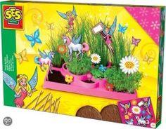 Maak je eigen elfjestuin! Met deze set kun je jouw eigen tuin laten groeien met diverse snelgroeiende zaden. Met het bijgeleverde drukwerk maak je er een echte elfjestuin van.