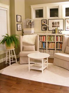 love this cozy little reading area!