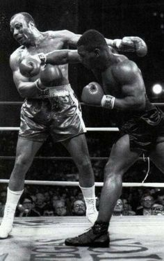 Boxing Gym, Mma Boxing, Boxing Training, Boxing Workout, Mike Tyson Training, Mike Tyson Boxing, Kickboxing, Muay Thai, Judo