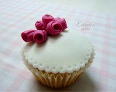 Estrade's cakes: cupcake con flores de fondant
