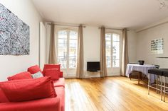 Monmartre 1 bdroom listing on Airbnb: ❺★'s ❶ LARGE Bdr @ CHIC MONTMARTRE in Paris