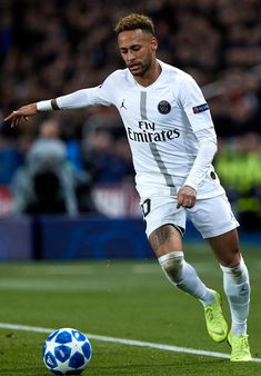 PARIS, FRANCE - NOVEMBER Neymar Jr of in action during the Group C match of the UEFA Champions League between Paris Saint-Germain and Liverpool at Parc des Princes on November 2018 in Paris, France. (Photo by Quality Sport Images/Getty Images) Football Neymar, Messi Neymar, Football Boys, Lionel Messi, Football Players Images, Best Football Players, National Football Teams, Soccer Players, Liverpool Champions League