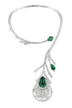 'Plume de Paon' emerald and diamond #necklace by Boucheron