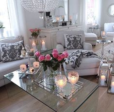 Presents for you the best designs about shabby-chic living room ideas; farmhouse style, rustic, simple, romantic, etc. Shabby Chic Living Room, Shabby Chic Homes, Shabby Chic Decor, Living Room Decor, Romantic Living Room, Living Rooms, Home Design, Interior Design, Sweet Home