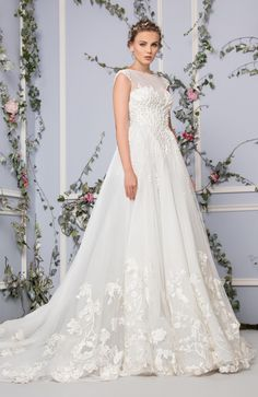 Tony Ward Bridal 2017 l Look 5 l Shannon - Off White A-line Tulle dress embellished with touches of crystal embroidery and Silk Flower appliques.