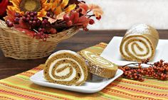 Whether you prefer grandma's famous pumpkin pie, snowflake cookies or delicious eggnog custard, there are plenty of dessert options to choose from during the holiday season. We often associate holiday desserts with sugar, frosting and all things sweet. Cake Roll Recipes, Fruit Recipes, Pumpkin Recipes, Baking Recipes, Pumpkin Pound Cake, Pumpkin Spice Cake, Sugar Pumpkin, Cinnamon Toast Recipe, Healthy Holiday Recipes