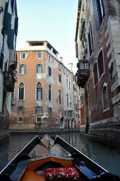 Riding a gondola in Venice | Italy    Photo taken by me (Nacho Coca)                                                                                                                                                                                        Source:                                                                           travelingcolors