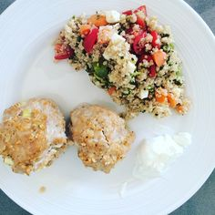 Quinoa salad and turkey meat balls! Love it! Healthy and easy recipes! Follow me on Instagram: laura.anf