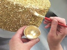 Sequins the Easy Way. Tutorial for edible sequin cake designs! Cake Decorating Techniques, Cake Decorating Tutorials, Cookie Decorating, Decorating Cakes, Cake Decorations, Decorating Ideas, Pretty Cakes, Beautiful Cakes, Bolo Fondant