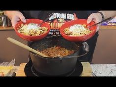 Delicious Texas Chili (Known as a Bowl of Red) Chili Recipes, New Recipes, Cooking Recipes, Favorite Recipes, Chili Soup, Chili Chili, Baked Potato Recipes, Baked Potatoes, Texas Chili