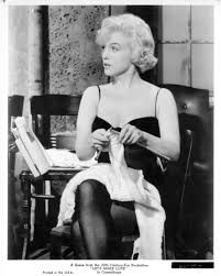 "Monroe Quotes Marilyn Monroe knitting ""I don't mind living in a man's world as long as I can be a woman in it.""Marilyn Monroe knitting ""I don't mind living in a man's world as long as I can be a woman in it. Marilyn Monroe, Lets Make Love, Knitting Humor, Knitting Club, Knitting Ideas, Knitting Projects, Knit Art, Yarn Shop, Norma Jeane"