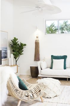 Bonnie from Three Birds Renovations fully restyled the Pearl Beach House using only products from Zanui! In this picture, the living room.
