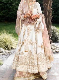 Bridal Mehndi Dresses, Nikkah Dress, Shadi Dresses, Wedding Dresses For Girls, Bridal Outfits, Asian Wedding Dress Pakistani, Indian Bridal Lehenga, Pakistani Dress Design, Pakistani Outfits