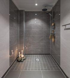 Alloc skifer natur glossy finish 60 x 30 - MegaFlis. Bad Inspiration, Bathroom Inspiration, Bathroom Interior Design, Home Interior, Berry Alloc, Deep Bathtub, The Tile Shop, Wall Boxes, Wall And Floor Tiles