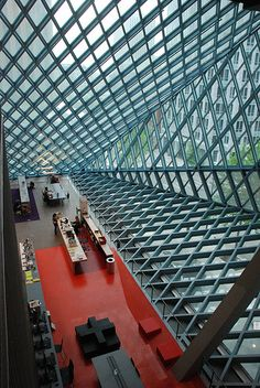 Amazing ceiling at the Seattle Central Library. Seattle, Washington (Rem Koolhass. 2004) #design #interiors #ceiling