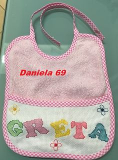 Bavaglino per Greta - della categoria Punto Croce dall'album di Daniela 69.