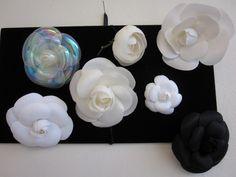 chanel camellias Fake Flowers, Silk Flowers, Camelia Chanel, Bridal Bands, Chanel Brooch, Flower Fabric, Craft Show Ideas, Felt Diy, Flower Making