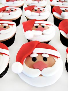 Santa Cupcakes are perfect treats for your friends in Christmas occasions.