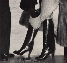 Shoe Biz Vogue US - August 1977 Photographed by Penn Fashion Images, 70s Fashion, Fashion Models, Fashion Shoes, Vintage Fashion, Fashion Details, Vintage Ysl, Vintage Boots, Vintage Ladies