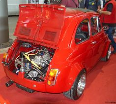 Five Hundred Miles Fiat 500 Pop, Fiat 128, Automobile, Fiat Abarth, Steyr, Car Engine, Small Cars, Toyota Corolla, Old Cars