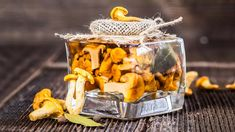 Nejlepší nakládané houby: letos si připravte zavařené houby 3x jinak Canning, Breakfast, Food, Breakfast Cafe, Essen, Home Canning, Yemek, Conservation, Meals