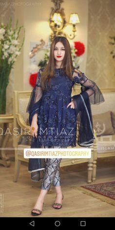 Party Rock on Pakistani Dresses Party, Pakistani Fashion Party Wear, Shadi Dresses, Pakistani Wedding Outfits, Pakistani Dress Design, Beautiful Pakistani Dresses, Stylish Dresses For Girls, Wedding Dresses For Girls, Dress Wedding