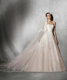 TOSHA - Princess wedding dress with sweetheart neckline | Pronovias