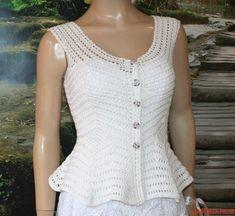 bluza alba crosetata din bumbac Crochet Jacket, Crochet Cardigan, Crochet Summer Tops, Crochet Top, Diy Clothes Videos, Crochet Clothes, Sweaters For Women, Wedding Bolero, Summer Vest