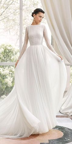 Wedding Dress modest wedding dresses a line with long sleeve delicate lace top rosa clara - Not all the wedding dresses must be like a ballgown with chapel train and lots of silk, satin and organza. Modest wedding dresses can solve your problem. Wedding Robe, Long Wedding Dresses, Long Sleeve Wedding, Delicate Wedding Dress, Lace Wedding, Modest Wedding Dresses With Sleeves, Party Dresses, Event Dresses, Long Sleave Wedding Dress