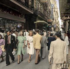 1941 - Rua do Ouvidor na região da Sé. O nome é uma referência ao primeiro…