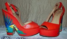 "1940s inspired ""Bird of Paradise"" platform"