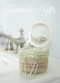 17 handmade gift ideas for the holidays via www.julieblanner.com