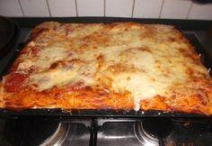 Puha pizzatészta | NOSALTY Jamie Oliver, Winter Food, Lasagna, Ethnic Recipes, Hot Dog, Chili Dogs, Lasagne, Sausage
