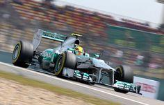 Round 3, UBS Chinese Grand Prix 2013, Qualify, Pole Position, Lewis Hamilton (1m34.484), Mercedes AMG Petronas F1 Team