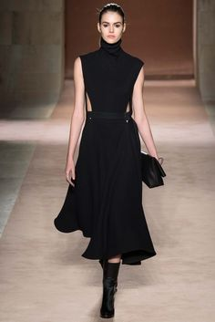 Victoria Beckham - Fall 2015 Ready-to-Wear - Look 17 of 38