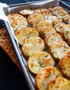 Citromos-fokhagymás krumplikarikák