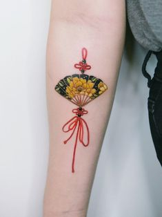 Tattoos For Girls Mini Tattoos, Red Tattoos, Asian Tattoos, Baby Tattoos, Cover Up Tattoos, Body Art Tattoos, Small Tattoos, Tatoos, Fan Tattoo