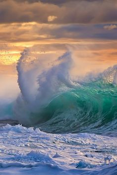 Ocean waves Wow! gorgeous colors and photography!   m  :-)