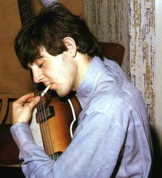 See Paul McCartney pictures, photo shoots, and listen online to the latest music. Stuart Sutcliffe, Beatles Band, Les Beatles, Ringo Starr, John Lennon, My Love Paul Mccartney, Linda Mccartney, Paul Mccartney Young, Guitar Guy