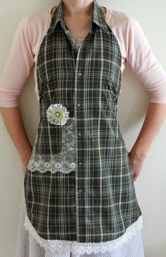 Sewing Men Projects The Enchanting Rose: April 2014 Sewing Aprons, Sewing Clothes, Diy Clothes, Sewing Men, Love Sewing, Men's Shirt Apron, Apron Dress, Jean Apron, Apron Tutorial