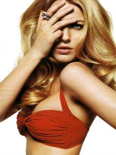 always love her shade of blondieee!