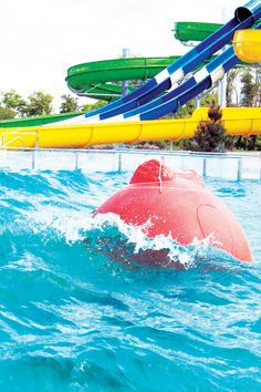 The Wave Ball is a simple way to turn an average pool into a wave pool. Do you remember those old and large devices at the end of the pools used to make waves? The wave ball is a different solution with its smaller size and colourful stíle.  #pool #waveball #aquapark