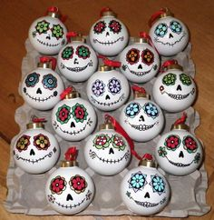 Day of the Dead style glass ball ornaments. Perfect for my Halloween themed Christmas tree! Halloween Trees, Fall Halloween, Halloween Crafts, Holiday Crafts, Holiday Fun, Halloween Decorations, Mexican Christmas Decorations, Halloween Ornaments, Outdoor Decorations