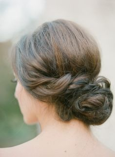 Wedding Sparrow - wedding hair up do #elegant #messy #bun