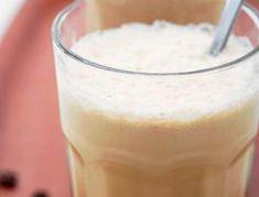 Iskaffe - nem opskrift på hjemmelavet iskaffe | SPIS BEDRE Cocktail Drinks, Cocktails, New Flavour, Frappe, Scones, Glass Of Milk, Smoothies, Juice, Food And Drink