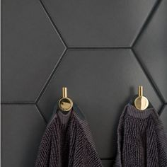 Klinker Hexagon Black mm - Golvpoolen - Lilly is Love Arch House, Brick Tiles, Retail Store Design, Swedish House, Beautiful Interior Design, Dream Bathrooms, Nordic Design, Bath Decor, Eclectic Style