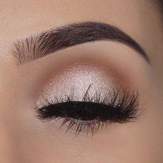 Gorgeous Makeup: Tips and Tricks With Eye Makeup and Eyeshadow – Makeup Design Ideas Kiss Makeup, Cute Makeup, Gorgeous Makeup, Pretty Makeup, Hair Makeup, Simple Prom Makeup, Elegant Makeup, Makeup Goals, Makeup Inspo